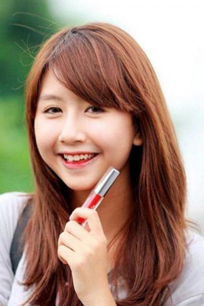 Hoa hậu Mai Phương Thúy, Quỳnh Anh Shyn, Trâm Anh - bản sao Yoona (SNSD)… chính là những nữ sinh nổi bật của trường.