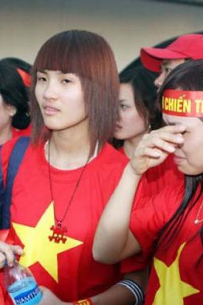 Hành trình lột xác của em gái Công Vinh, Khánh CHi