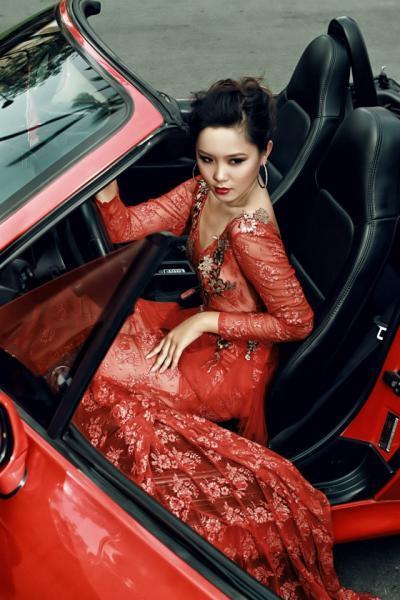 BMW Z3 độc lạ bên người đẹp tại Sài Gòn