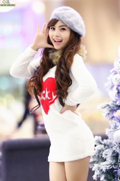 Hot girl Nana gợi cảm đón năm mới