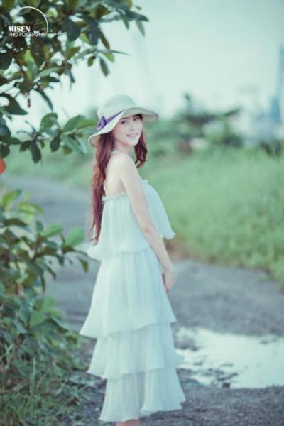 """Cơn sốt 'thiên sứ 9X': Hotgirl Hàn Quốc cũng phải """"chào thua"""""""