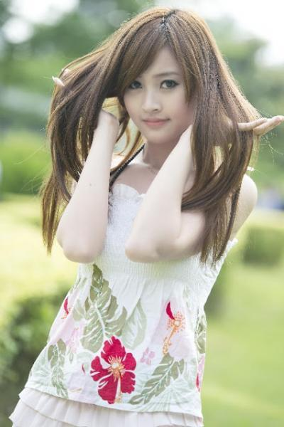 Cô gái tóc tiên đẹp lung linh
